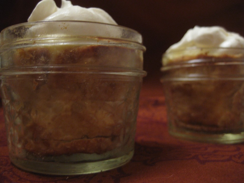 mini banana cream pies in mason jars